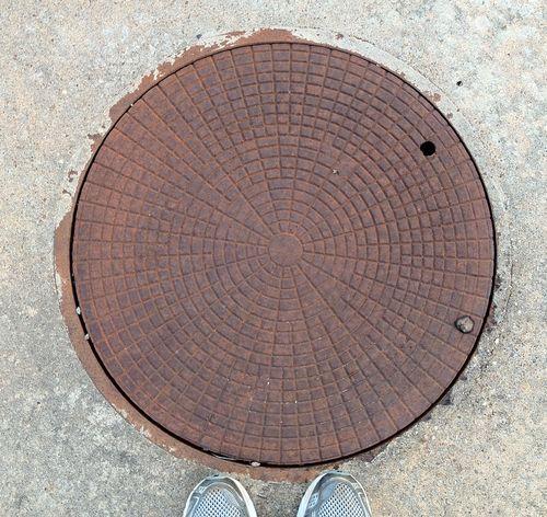 HotSpringsVillage-manhole-01