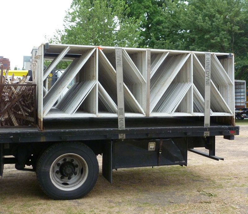 TruckWithTrusses-03 copy